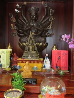 The Buddha statue with lots of arms.