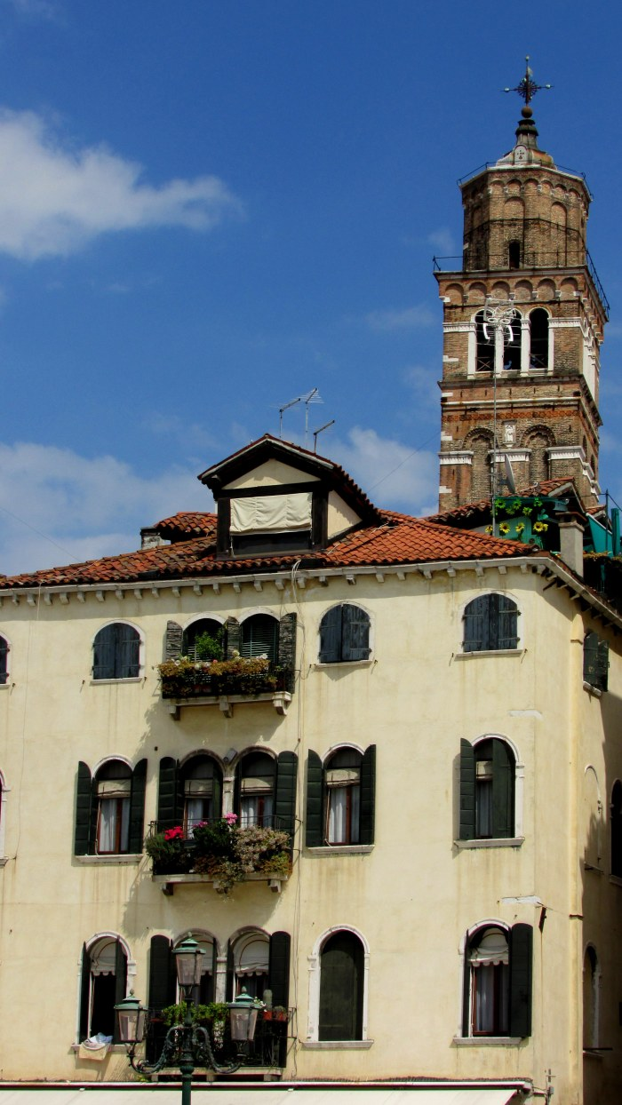 A look at the typical Venician buildings