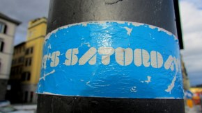 Whoohoo! It's Saturday :) I love this sticker found in Florance, Italy.